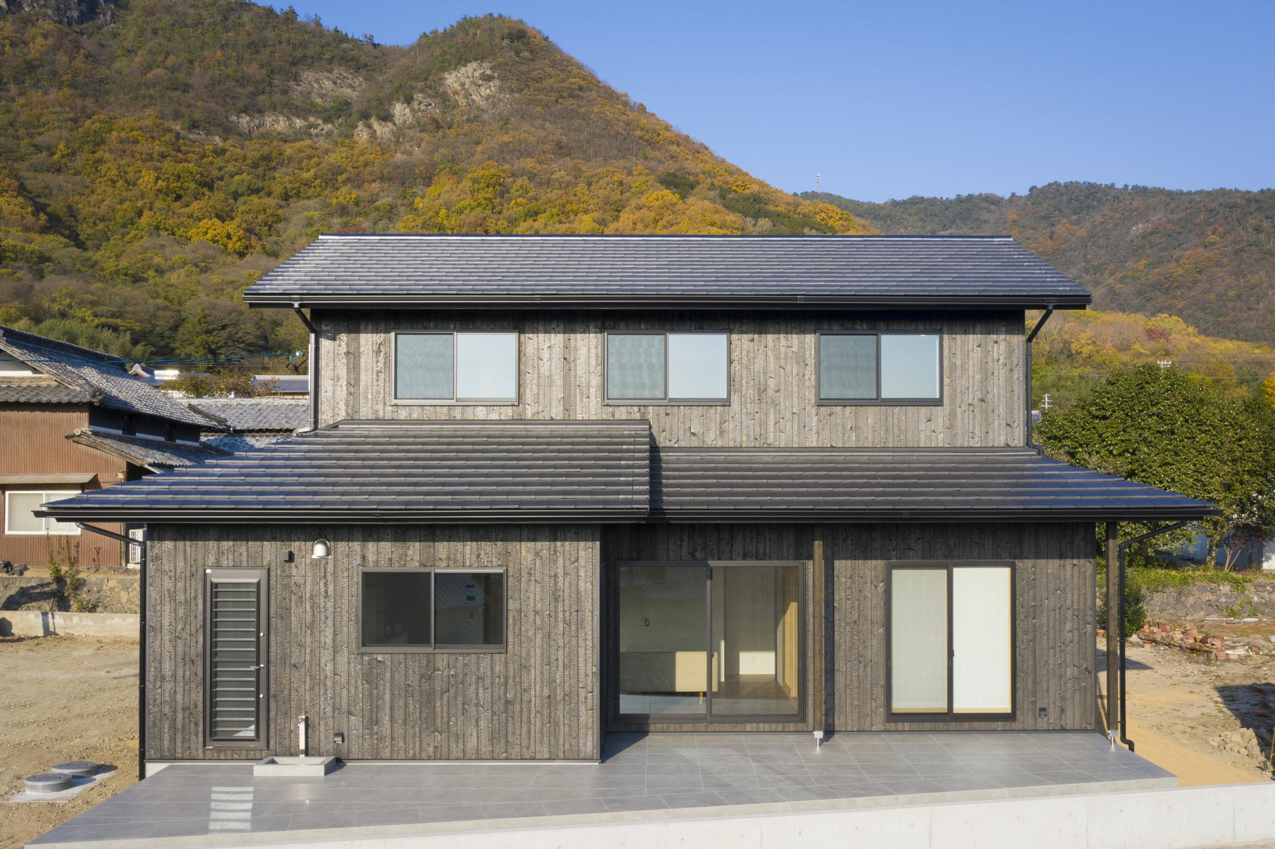 趣のある和室を愉しむ自然に囲まれた家